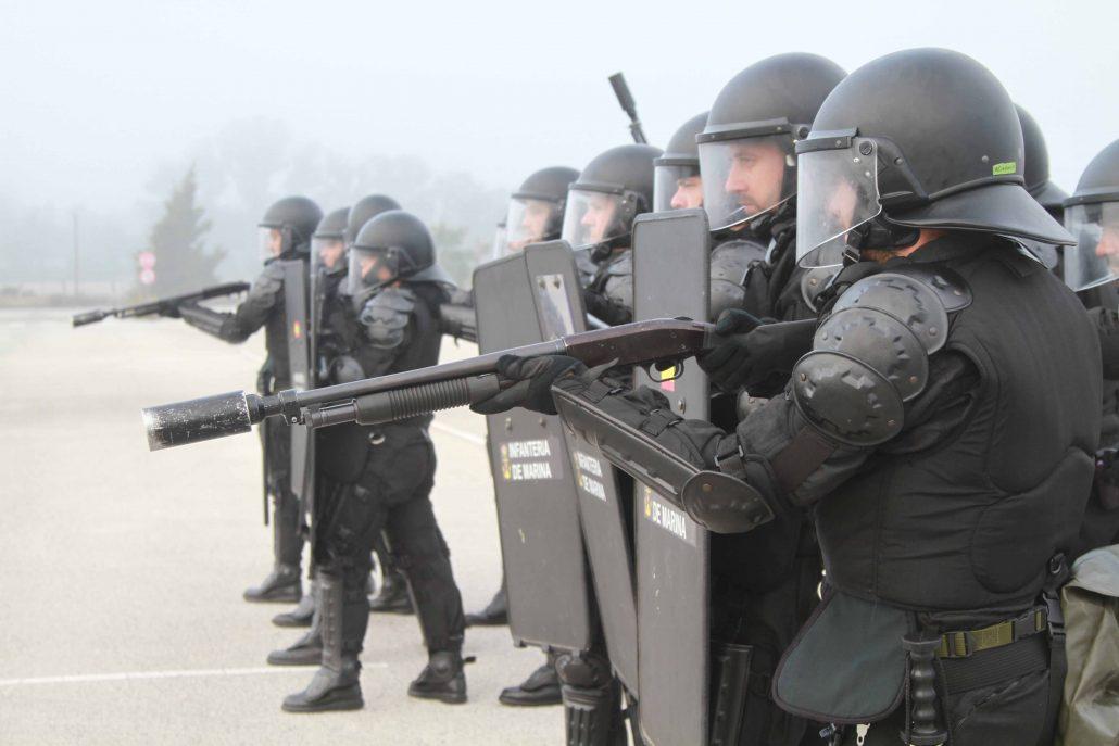 Tercio Sur Infantería de Marina control de masas