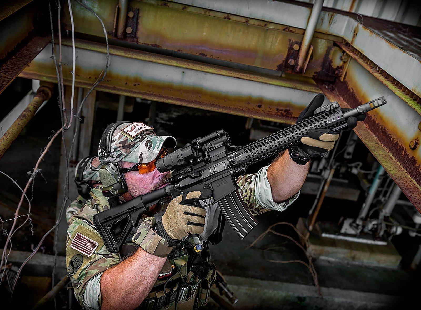 El ejército francés adopta el visor Aimpoint compM5