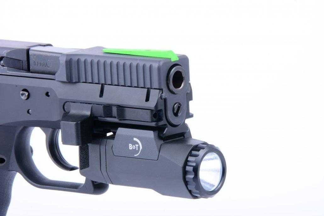 Pistola_USW_B&T_03